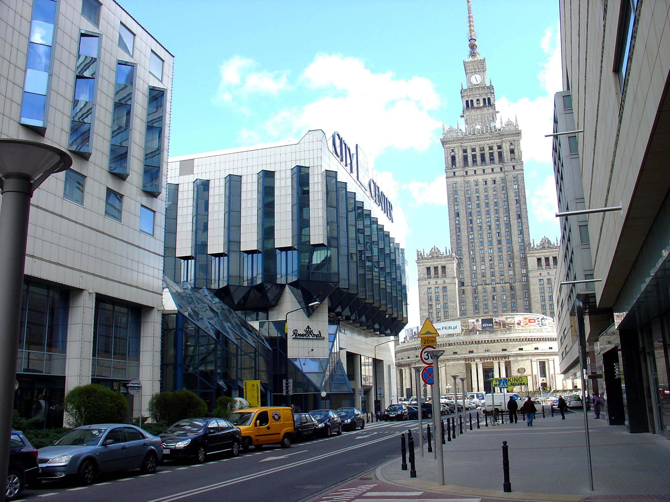 city-center-building-in-warsaw-1213696