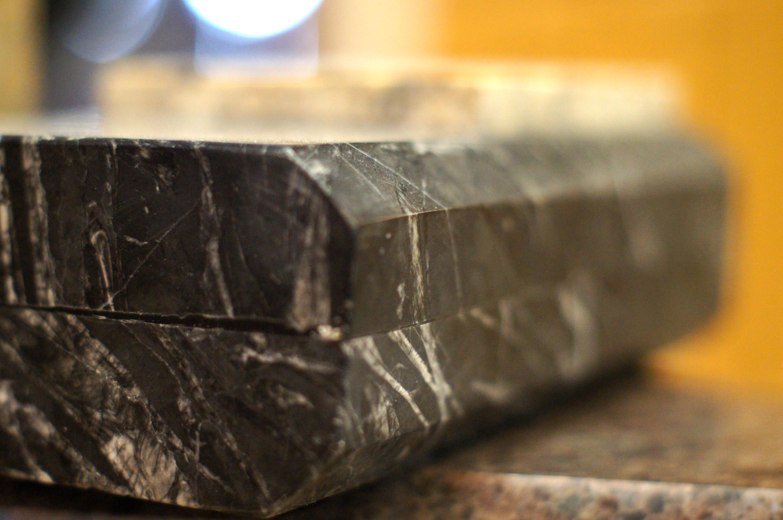 Granit w architekturze użytkowej