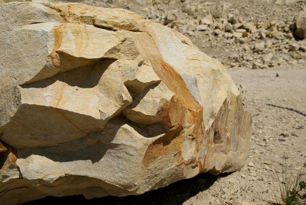 Kamienna bryła